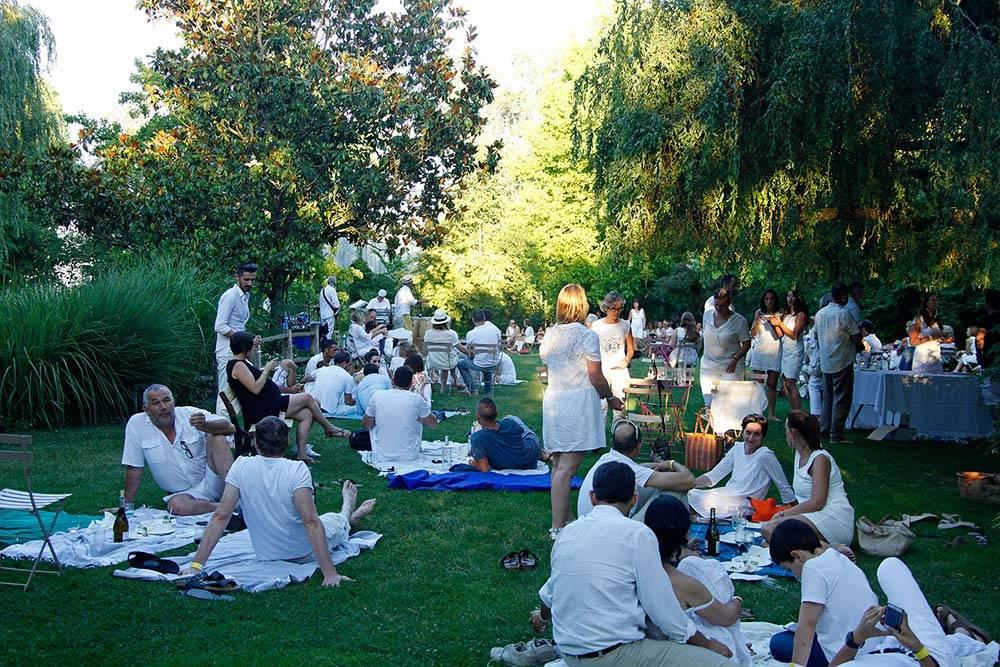 Jazz Evenings - white party, Jardin des Martels (81) - France