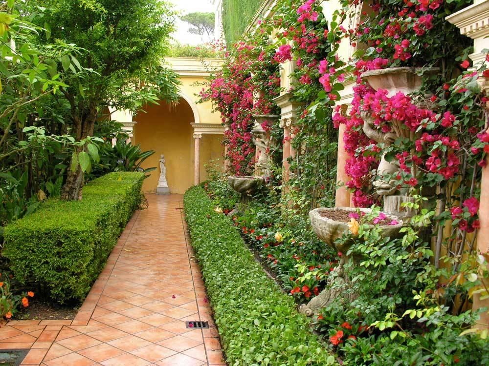 Die Gärten von Rothschilds Villa Ephrussi - Saint-Jean-Cap-Ferrat ...
