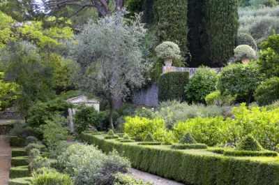 Guide des parcs et jardins de france et portail du jardin for Jardin rocaille mediterraneen