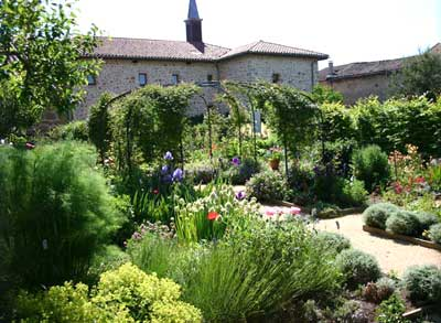 The Vicar's Garden Of Usson en Forez photo 0