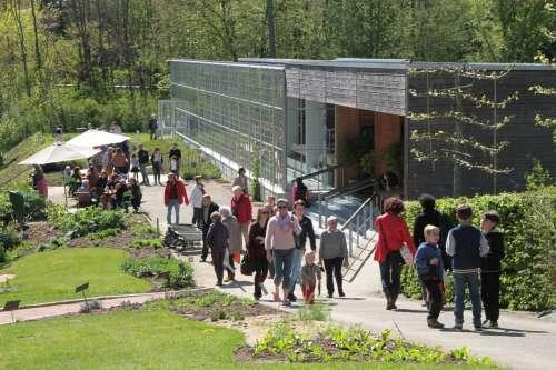 cr en 2008 le jardin camifolia est situ au c ur de la vall e de l hyr me chemill en. Black Bedroom Furniture Sets. Home Design Ideas