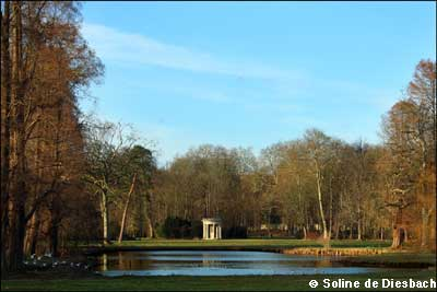 Der Park des Schlosses von Chantilly photo 3
