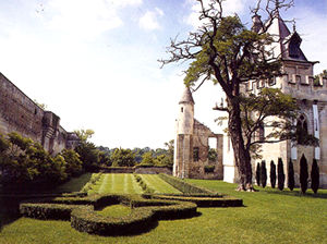 The Gardens Of the Donjon Of Vez
