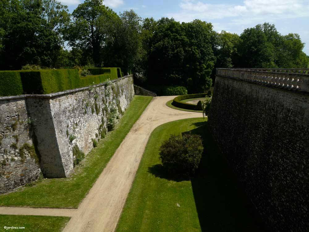 Park and Gardens of the Castle of Le Lude photo 3