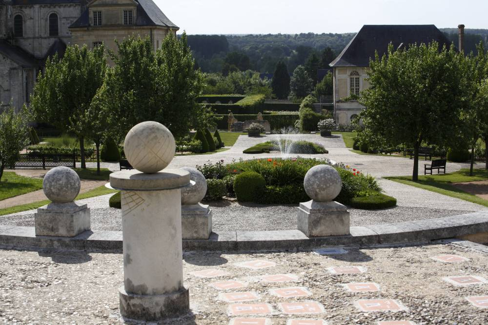 Gardens Of the Abbey Of Saint-Georges de Boscherville photo 8