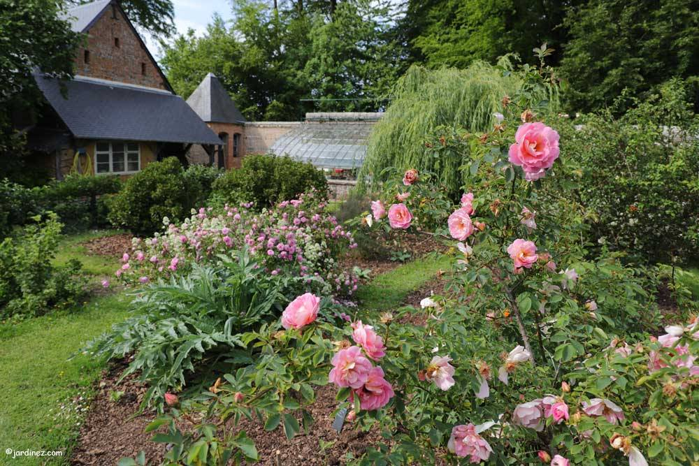 Rose Garden and vegetable Of Mesnil Geoffroy Castle photo 8
