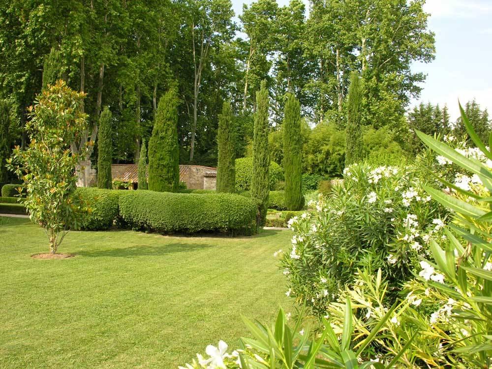 Parc et jardin du ch teau de brantes sorgues 84700 for Entreprise parc et jardin
