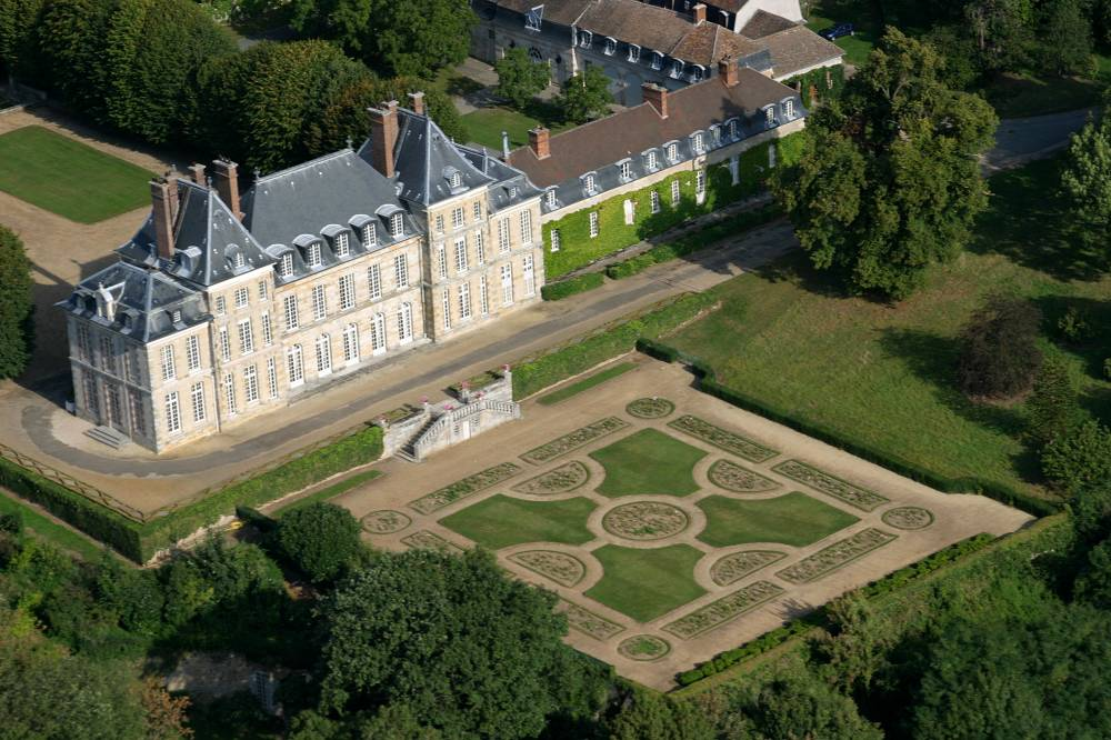 Castle Of Saint Jean de Beauregard, Park and Gardens photo 1